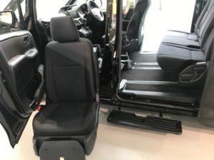 トヨタの福祉車両・回転昇降シート・リフトアップシート
