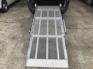 福祉車両改造・ステップワゴン・車いすスロープ