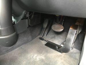 福祉車両改造・MINI・左足アクセル