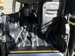 ハイエースを福祉車両に改造