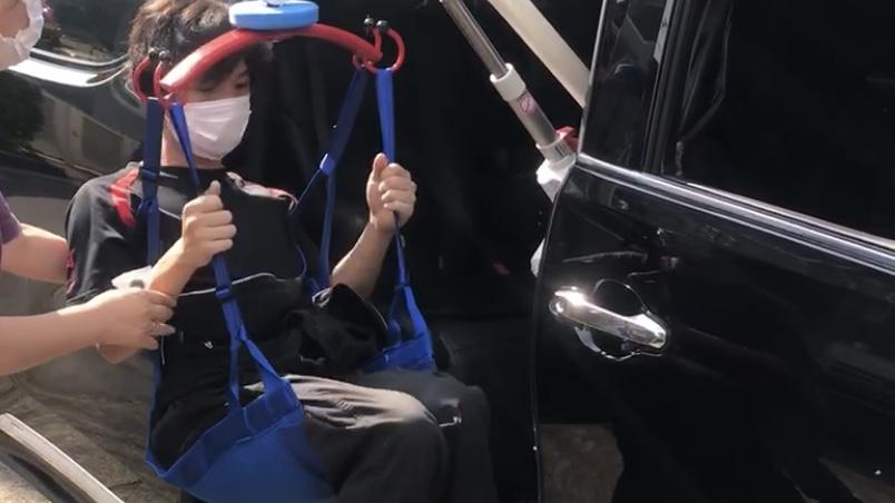介護車両の30アルファード